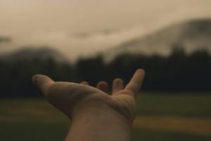 hand-846092_1280